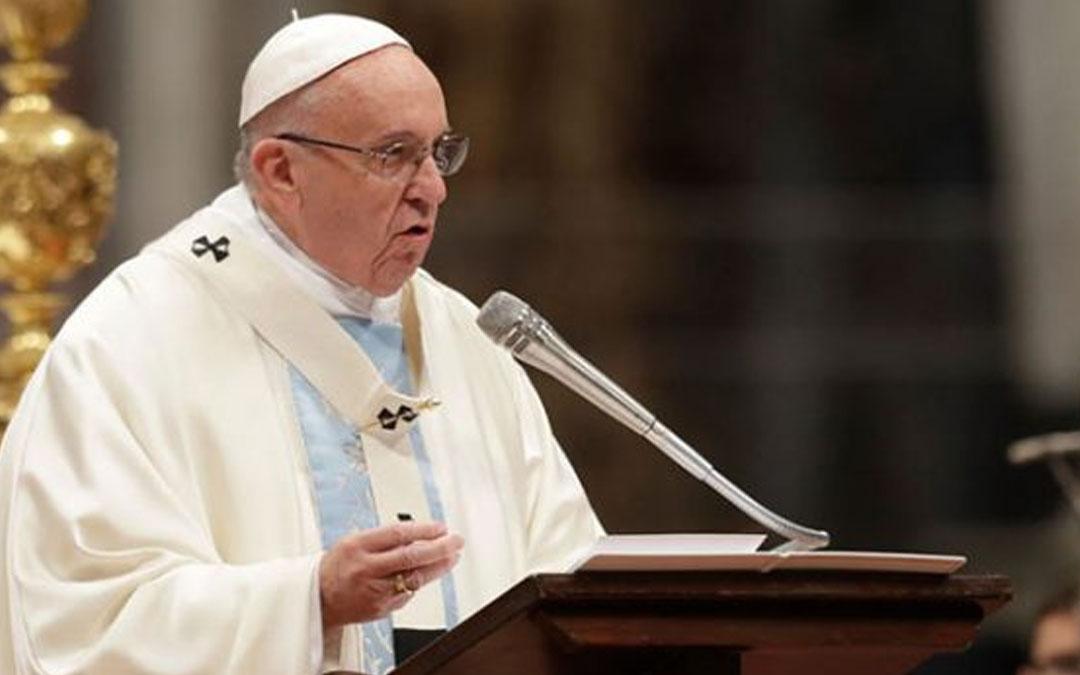 Adivinos y videntes en la lista negra del Papa