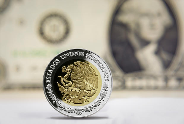 Dólar se vende en 18.15 pesos