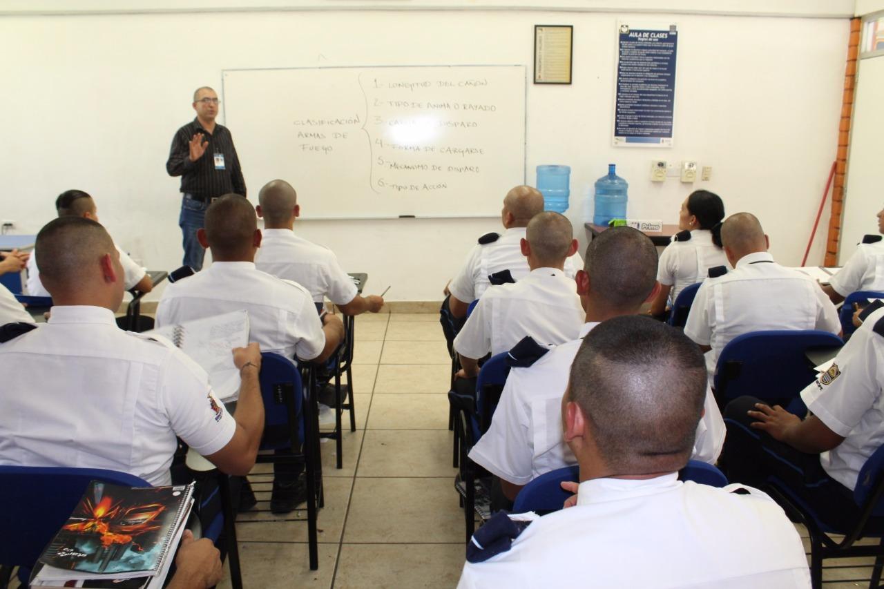 Reciben curso de formación 123 cadetes