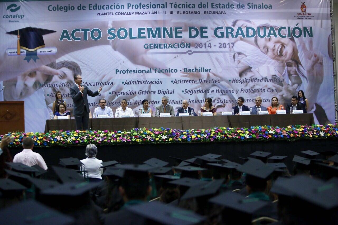 Duplicarán becas para educación superior