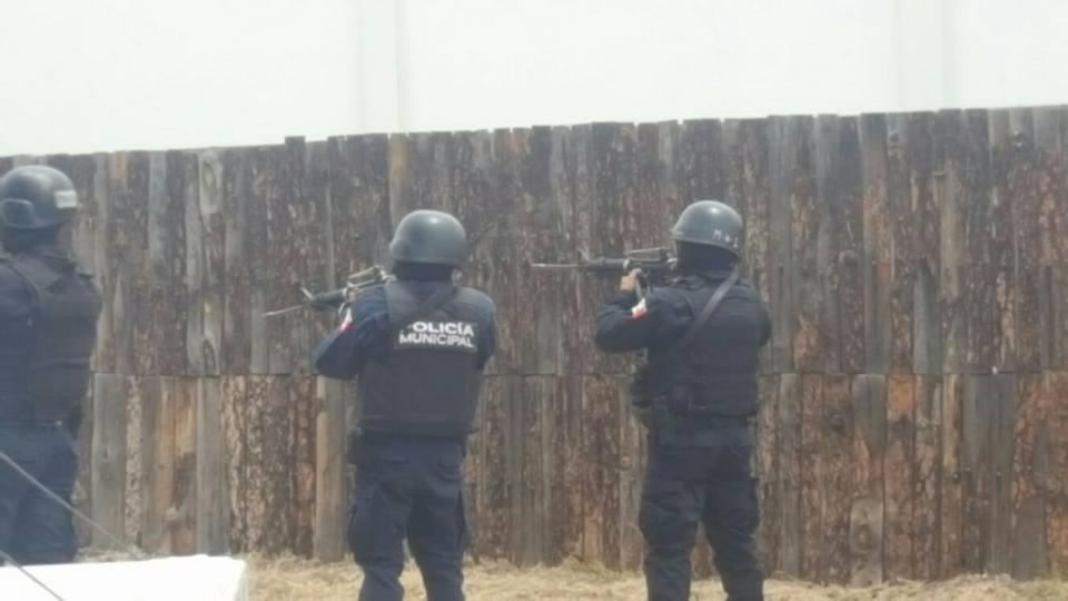 Capacitan a 926 elementos policiales
