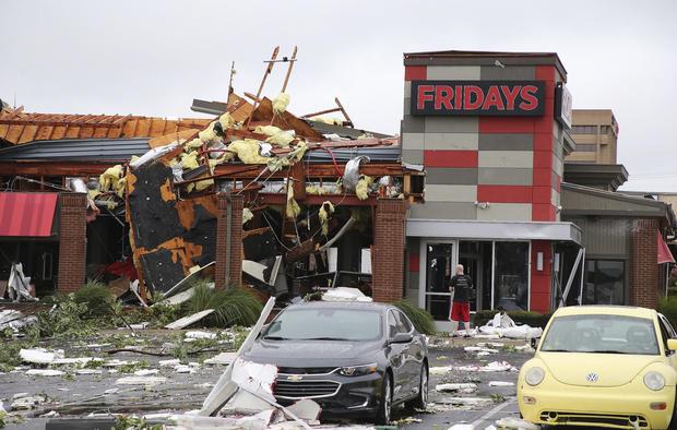 Fuerte tornado golpea Oklahoma